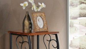 Кованые прикроватные столики – оригинальное украшение интерьера