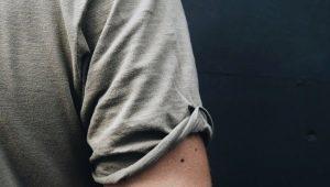Все о мужских тату с легкими эскизами на руке
