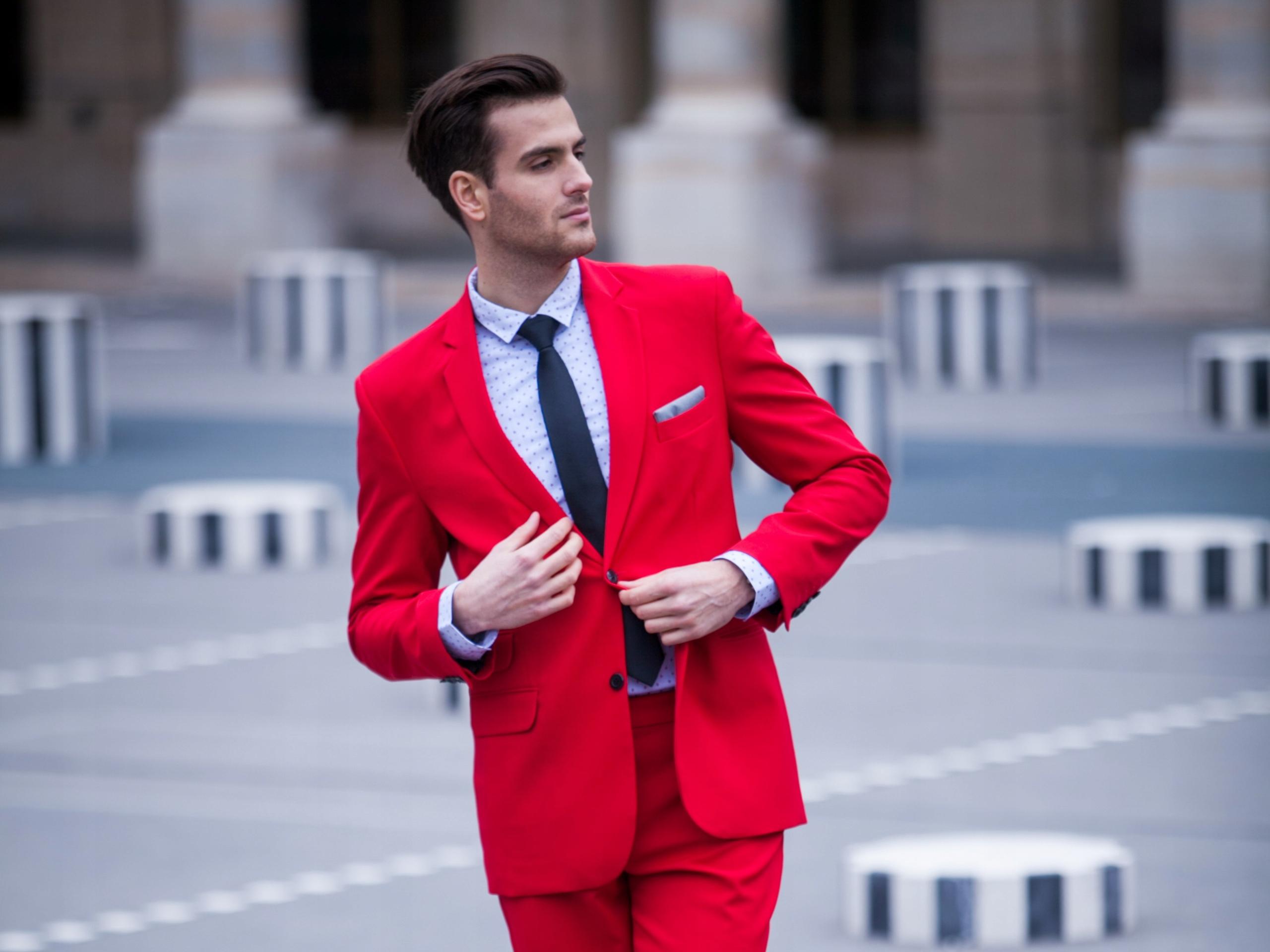 Красный костюм фото мужской