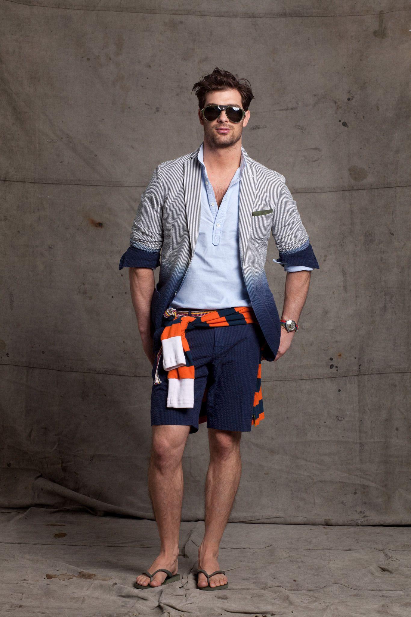 настоящее шорты сандалии на мужчине фото окончания средней школы