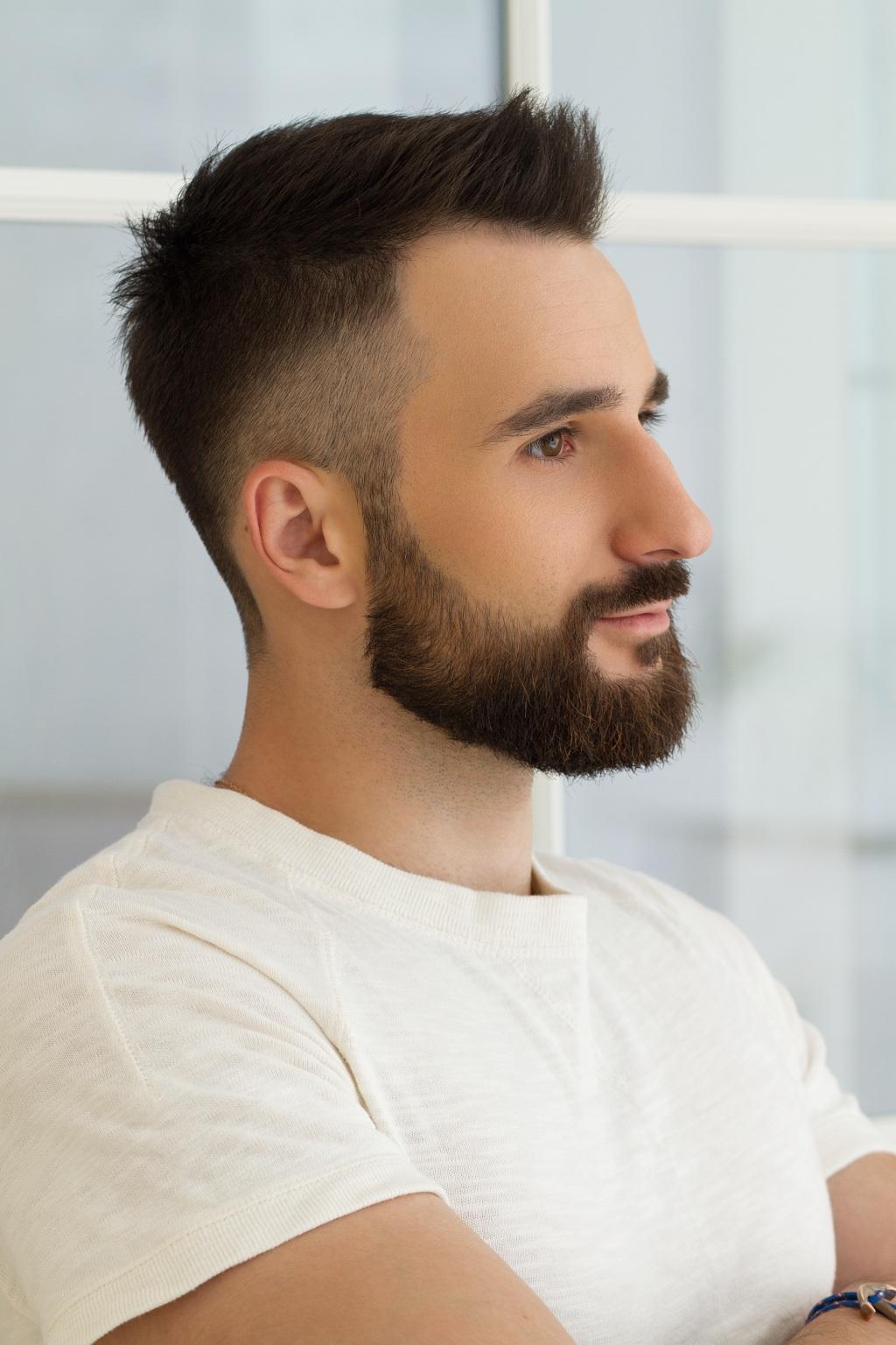 Стрижки на средние волосы рваные концы фото такое